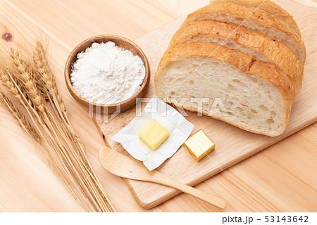 パン カンパーニュ 小麦粉 バター 天然素材 53143642