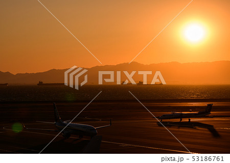 セントレアから見た夕陽 53186761