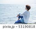 女性 海 散歩の写真 53190818