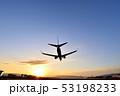 ファイナルアプローチ ジェット旅客機 着陸態勢 ブルーモーメント 伊丹空港RWY32L 53198233