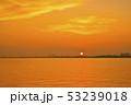 琵琶湖の朝焼け 53239018