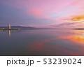 琵琶湖の朝焼け 53239024