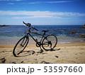 ビーチの自転車 53597660