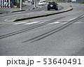 交通事故イメージ(ブレーキ痕) 53640491