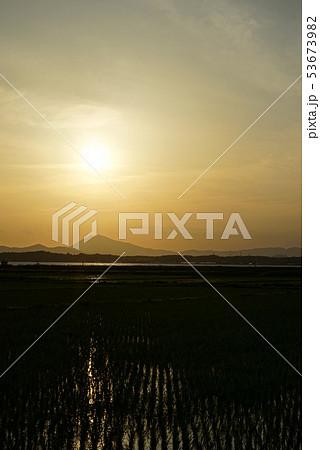筑波山と田園風景 53673982