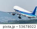 離陸する飛行機 53678022