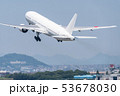 離陸する飛行機 53678030
