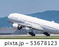離陸する飛行機 53678123