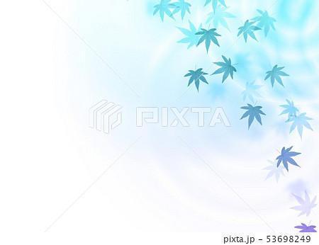 水紋グラデーションと青の紅葉 53698249