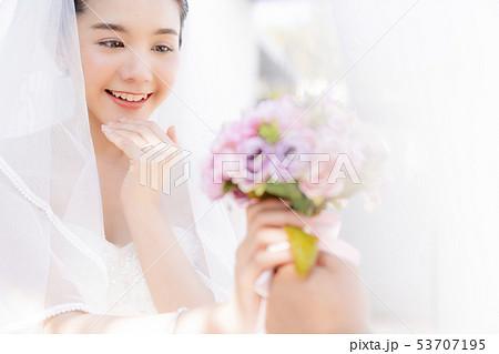 女性 ブライダル 53707195