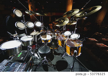 世界的ドラマー、神保彰のドラムセット 53776325