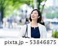 ビジネスウーマン  ビジネスイメージ  働く女性 53846875