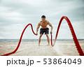 ビーチ 浜辺 男性の写真 53864049