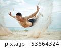 ビーチ 浜辺 男性の写真 53864324