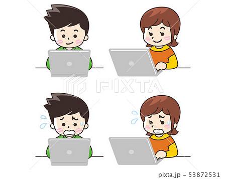ノートパソコンを使う若い男女 53872531