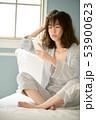 女性 スマホ スマートフォンの写真 53900623