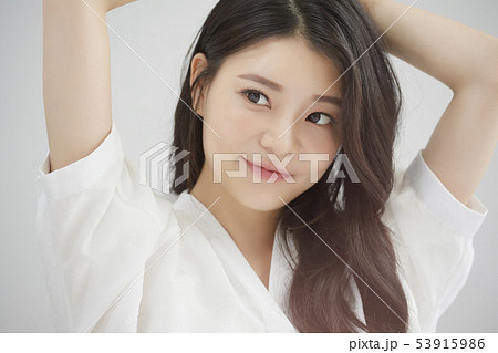 女性 ビューティー 朝 53915986
