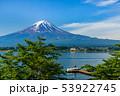 河口湖畔のヨットと富士山 53922745