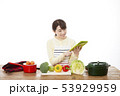 主婦 料理 53929959