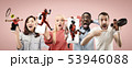 モバイル 携帯電話 人々の写真 53946088