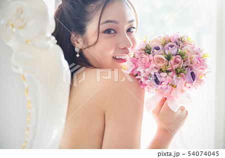 女性 ブライダル 54074045