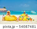 ビーチ 浜辺 人々の写真 54087481