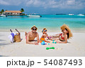 ビーチ 浜辺 人々の写真 54087493