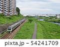 横浜線 E233系 鶴見川沿いを行く 54241709