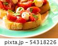 トマトとモツァレラチーズのブルスケッタ 54318226