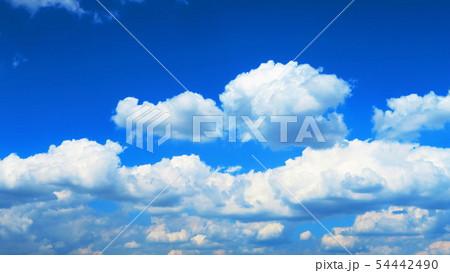 青空と白雲 54442490
