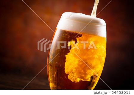 ビールで乾杯 54452015