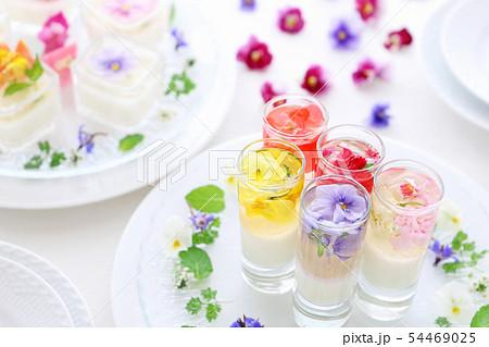 エディブルフラワーのお花ゼリー 54469025