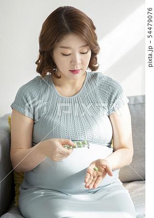 Beautiful asian pregnant woman's daily life 119 54479076