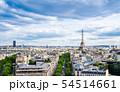 凱旋門から眺めるエッフェル塔とパリ市内 54514661