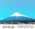 新幹線車窓から見える富士山 54523711