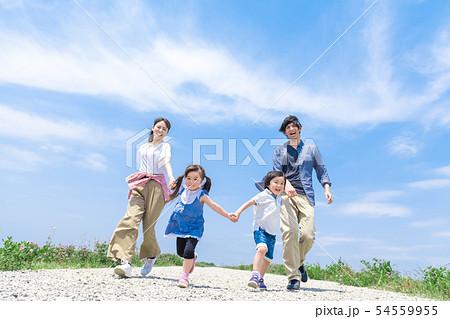 家族、青空、走る 54559955