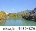 ヨーロッパの雄大な山と川 54594879