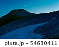 残照の北アルプス・笠ヶ岳と笠ヶ岳山荘の明かり 54630411