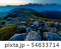 夜明けの双六岳から見る槍・穂高連峰 54633714