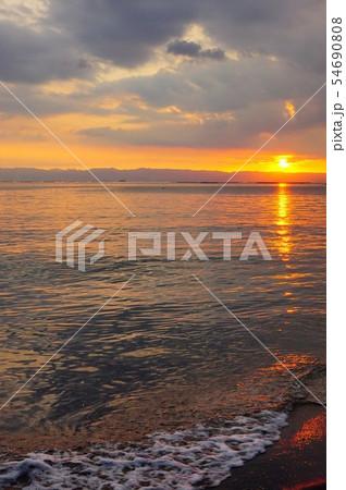 ビーチで見た夕日 54690808