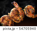 Skewer shrimps burnt grilled with spice seasoning. 54705940
