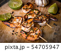 Skewer shrimps burnt grilled with spice seasoning. 54705947