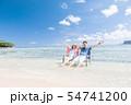 海外旅行イメージ ビーチ 海 人物 54741200