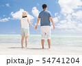 海外旅行イメージ ビーチ 海 人物 54741204