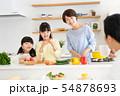 親子 料理 食卓 ファミリーイメージ 54878693