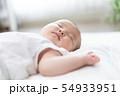 赤ちゃん お昼寝 54933951