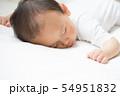 赤ちゃんのお昼寝 54951832