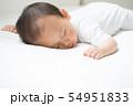 赤ちゃんのお昼寝 54951833