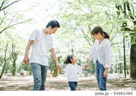 家族 ライフスタイル 公園 54961494