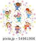 花火とお祭りを楽しむ子供達 54961906